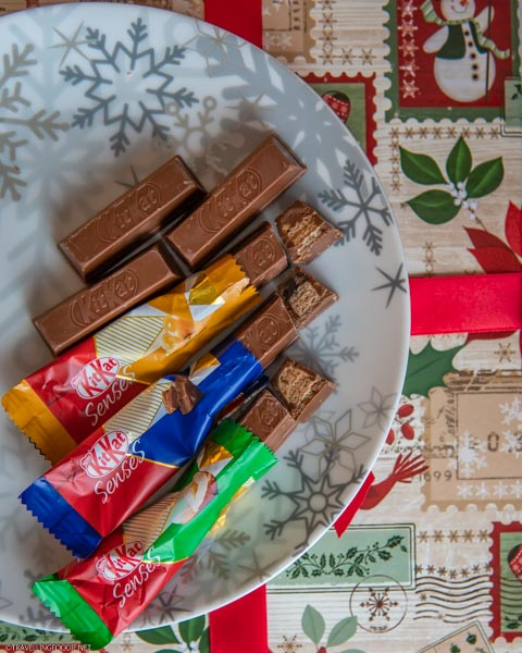 Flatlay of all 3 KITKAT Senses flavours on a plate
