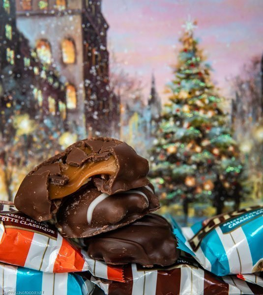 TURTLES Chocolate with Christmas Postcard Backdrop