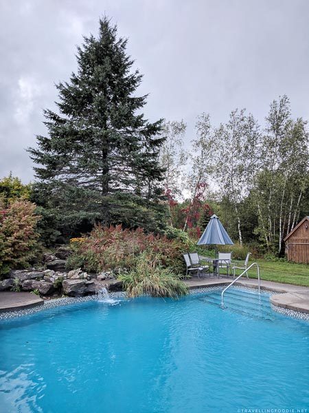 Outdoor swimming pool at Spa Eastman in Eastern Townships, Quebec