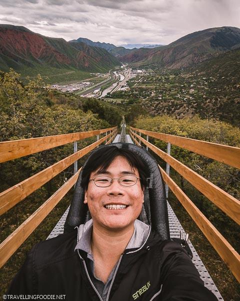 Travelling Foodie Raymond Cua selfie on tracks of Alpine Coaster at Glenwood Caverns Adventure Park