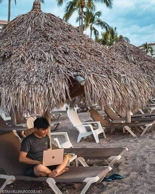 Travelling Foodie Raymond Cua on the Sheraton Buganvilias Cabana using Microsoft Surface Laptop 3
