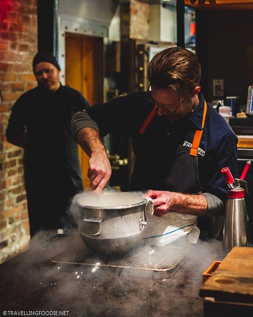 Michelin Chef Phillip Foss doing Liquid Nitrogen at H4C par Dany Bolduc for Montreal en Lumiere 2020 Tasting Menu
