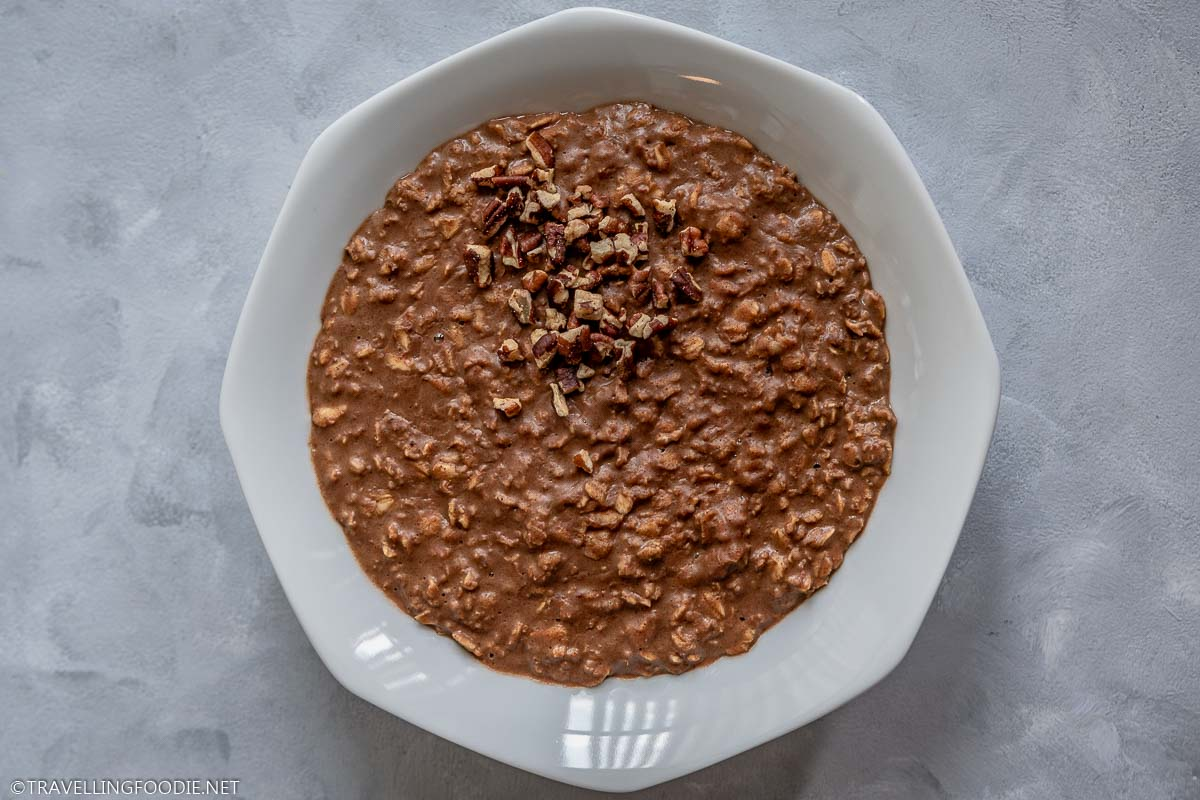 Healthy Chocolate Oatmeal Breakfast Bowl