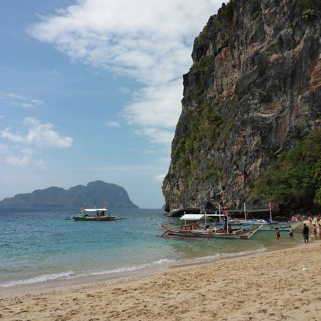 Helicopter Island on shore in El Nido, Palawan